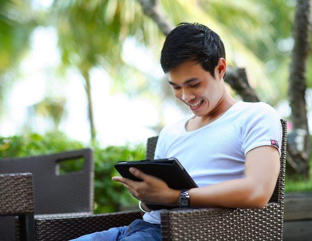 Lendo ebook